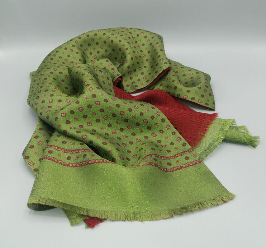 Sciarpa-seta-doppiata-verde-rosso